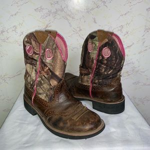 Ariat camel with pink trim cowgirl boot size 9.5
